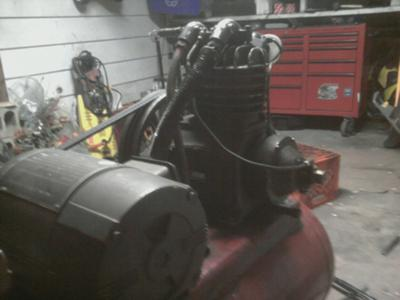 Old Champion Compressor Bleeds Out Air 21552748.pagespeed.ce.qa9skwsx7i